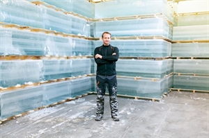FROM ICE CUBES TO ICE HOTELS – A NORWEGIAN ICE CUTTER MODERNIZES A...